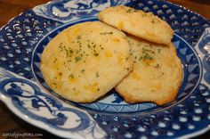 Cheesy-Cheese Garlic Biscuits (Grain-Free Red Lobster Biscuits)
