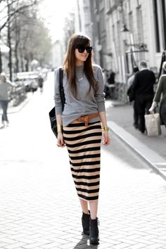 Another cool way to wear a striped pencil skirt