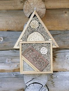 Lovely mason bee house. *THE GREEN GARDEN GATE*: Inspiration_Beehive