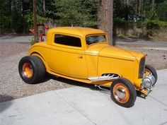 1932 FORD HI-BOY 3-WINDOW CUSTOM COUPE
