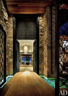 Contemporary Entrance Hall by Stephen Shadley in Beverly Hills, California