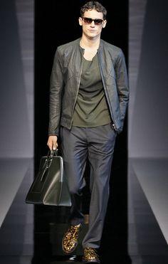 Emporio Armani Man S/S 13    Picture (C) Armani    See more Emporio Armani S/S 13 Menswear here: http://dresscodehighfashion.blogspot.de/2013/05/emporio-armani-man-ss-13.html