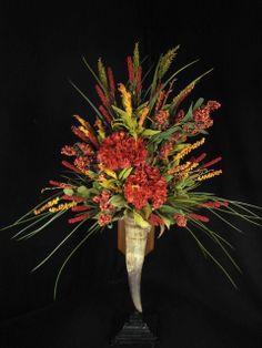 western flower arrangement horns/ love these colors!
