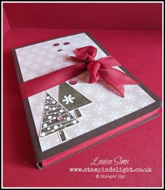 Stampin' Up! Festival Of Trees Card Wallet - Stampin' Delight. Great gift for non crafty friends - wallet filled with stunning simple festive cards. #handmadexmas #diygift #stampinup