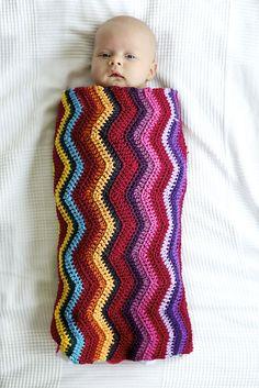Ravelry: Zigzag Baby Wrap { free pattern by Wieke van Keulen }