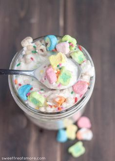 Shut the front door.  My favorite cereal, made into my favorite dessert.  Lucky Charms Blizzard || Sweet Treats and More