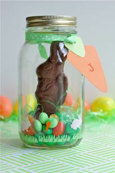 Easter Candy Terrarium - great idea for those cheap chocolate bunnies.