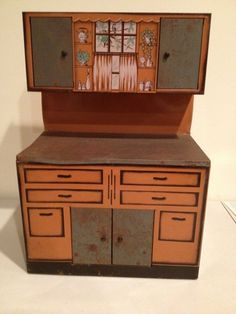 Tin Litho Wolverine Toy Kitchen Cabinet Set From The 50's