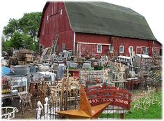 Junker's Paradise ~ Barnyard Antiques:Fulton, IL