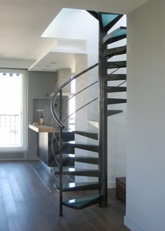 Escalier on pinterest mezzanine stairs and loft - Escalier colimacon metal ...