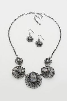 Amelia Necklace in Black Diamond