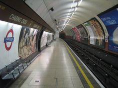 Resultados de la Búsqueda de imágenes de Google de http://wordpress.policyexpert.co.uk/news/wp-content/uploads/2010/10/800px-Charing_cross_london_underground.jpg
