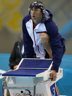 Phelps conquistou sua primeira medalha de ouro individual, em Londres, nos 200 m medley  Foto: Getty Images