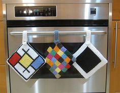 Love the Mondrian-inspired potholder