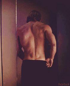 Chris Hemsworth trying on some pants. [gif]