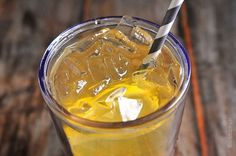 Green Tea Lemonade Recipe from addapinch.com