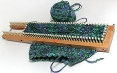 Loom Knit (blogging about loom knitting)