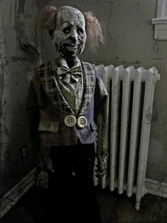 creepi clown, creepi doll, claudrophobiath fear, ghost, clowns