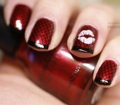 Valentine red fishnet nails