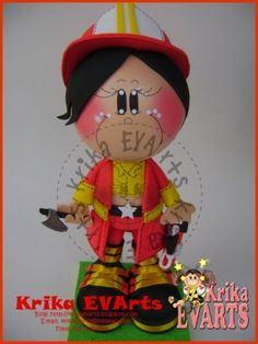 Moldes de fofucha bombera de Krika EVA´rts. Muñeca en 3D de goma eva.