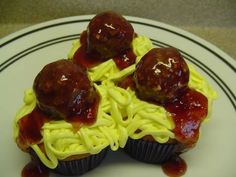 Decorating Cupcakes: #5 Spaghetti and Meatballs