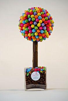 table decorations, orang, sweet tables, sweet trees, candi, favor, easter eggs, topiari, rainbow sweet tree