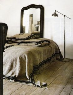 bed cover with striped border