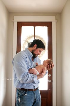 Newborn photography tips: Finding beauty in your client's home