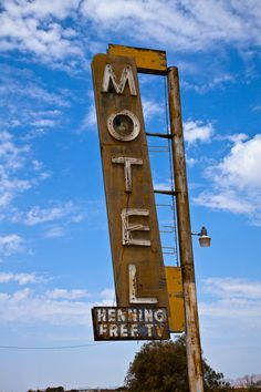Motel sign along Route 66