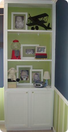 DIY built in bookshelves