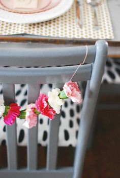 DIY \ Carnation Chair Garland
