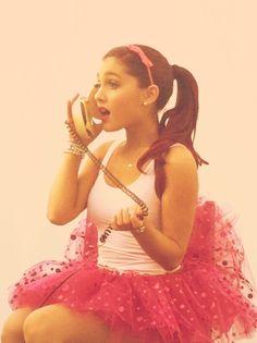 Ariana Grande is  gorgeous ! Errrrr