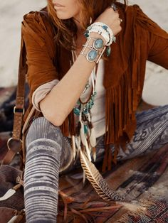 Watch Chic And Awesome DIY Bag Tassels video