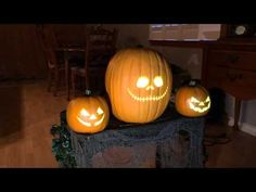 Window Creeps, Pumpkin Animation and other looping animation effects for Halloween
