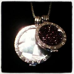 Ze heeft er een zusje bij! #mimoneda #necklace #diamonds #loveit - @designbylisa- #webstagram