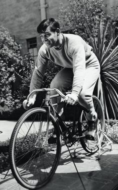 Fotos antiguas de bicicletas: Clark Gable