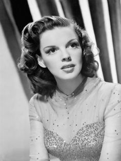 Judy Garland, beautiful!