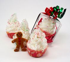Holiday Inspired Gingerbread Scented Cupcake Shaped Bath Bombs cupcak soap, bath bombs, christmas cupcakes
