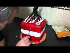 How to make a minecraft cake: TNT block Cake