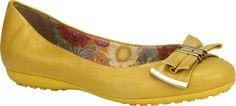 #Sapatilha amarela com laço