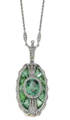 Emerald, diamond and platinum pendant.  Tiffany & Co., 1910