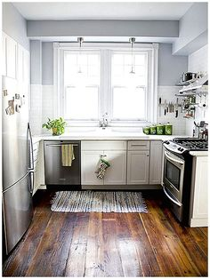 Wooden Kitchen Flooring / small kitchen