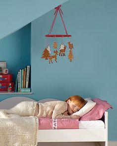 Martha Stewart: Gingerbread Ornaments