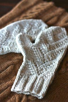 Ravelry: Adiri Mittens pattern by Julia Trice