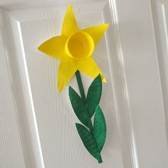 Paper Plate Daffodil Craft
