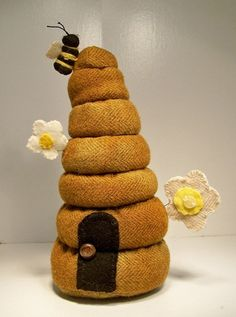 tooooo cute! Honey Bee Tavern Pincushion by InThePatchDesigns on Etsy