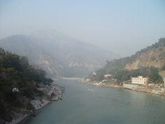 R: Holy River. (Rishikesh - Ram Jhula view)
