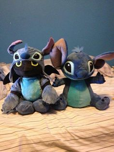 Toothless dressed as Stitch!!