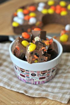 Easy Halloween fudge ring.