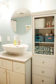 very cute bathroom storage